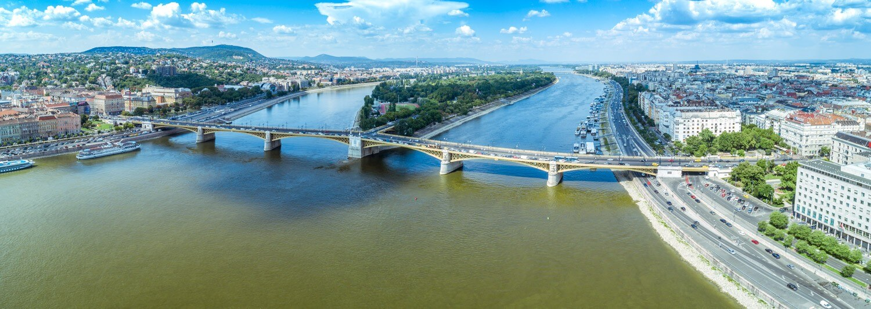 Hetven éve támadt fel hamvaiból a Duna második fővárosi hídja