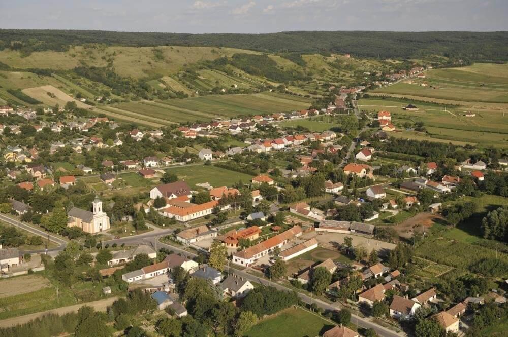Újabb projektet nyert el Pannonhalma környékén a Merkbau