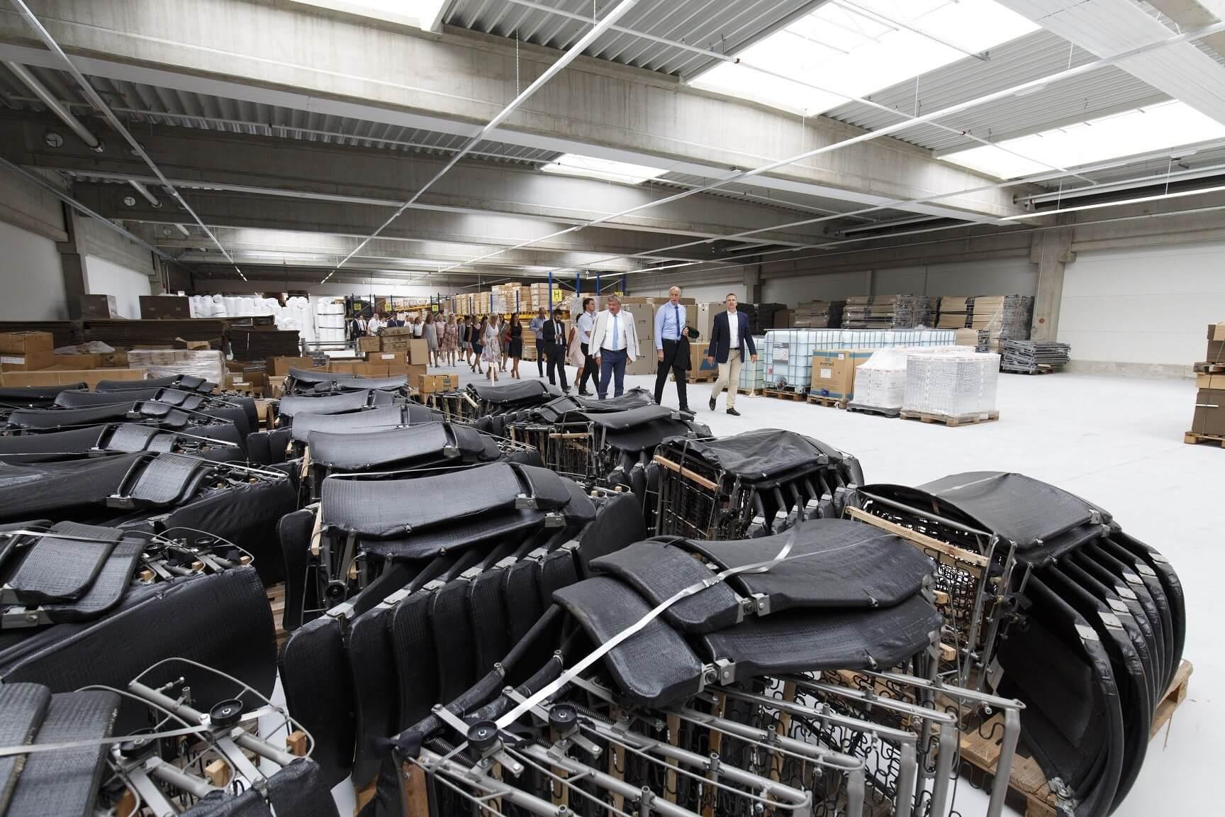 7500 négyzetméteres csarnokkal bővült egy Vas megyei bútorgyár