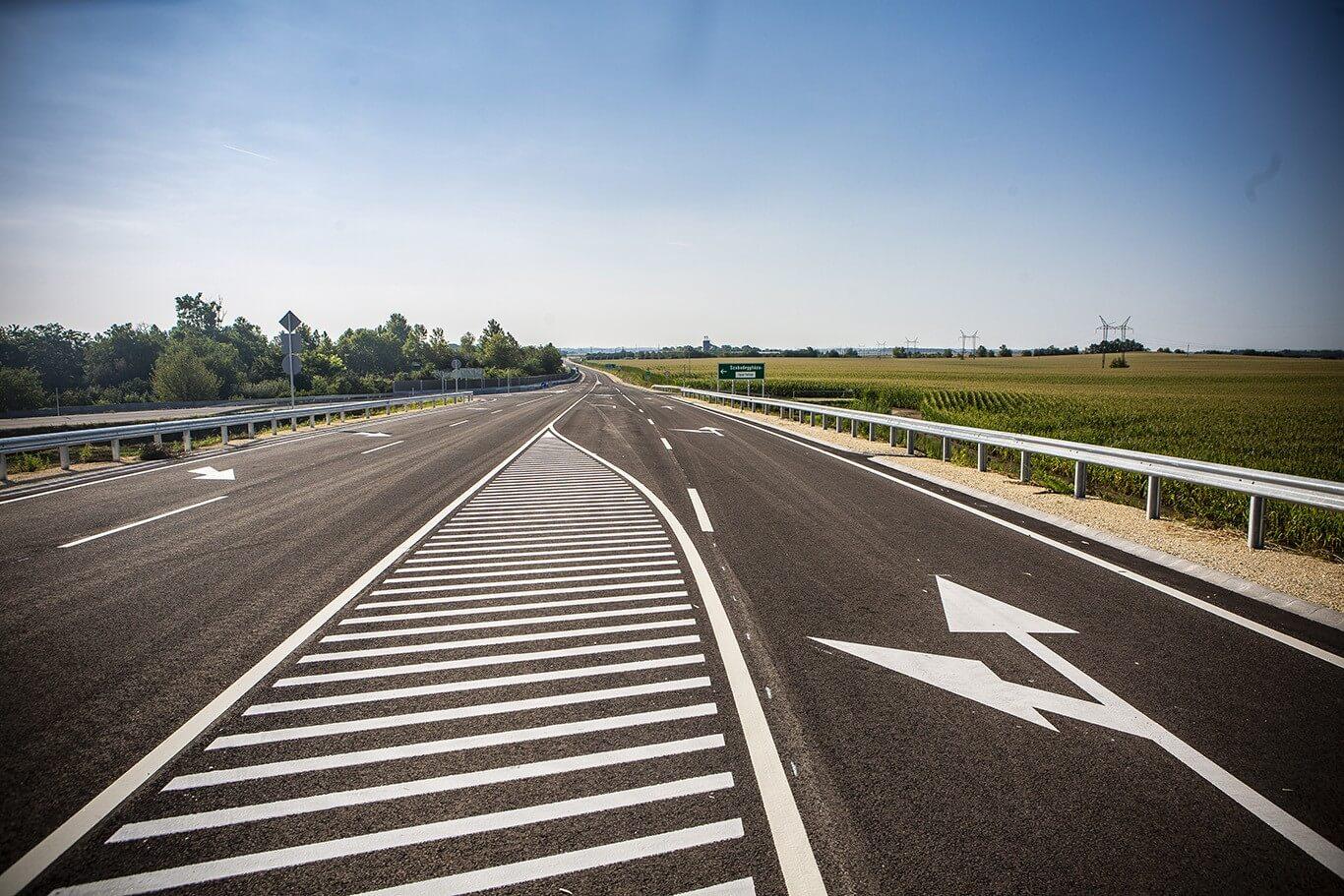 Elkészült a pest megyei útfejlesztések első beruházása