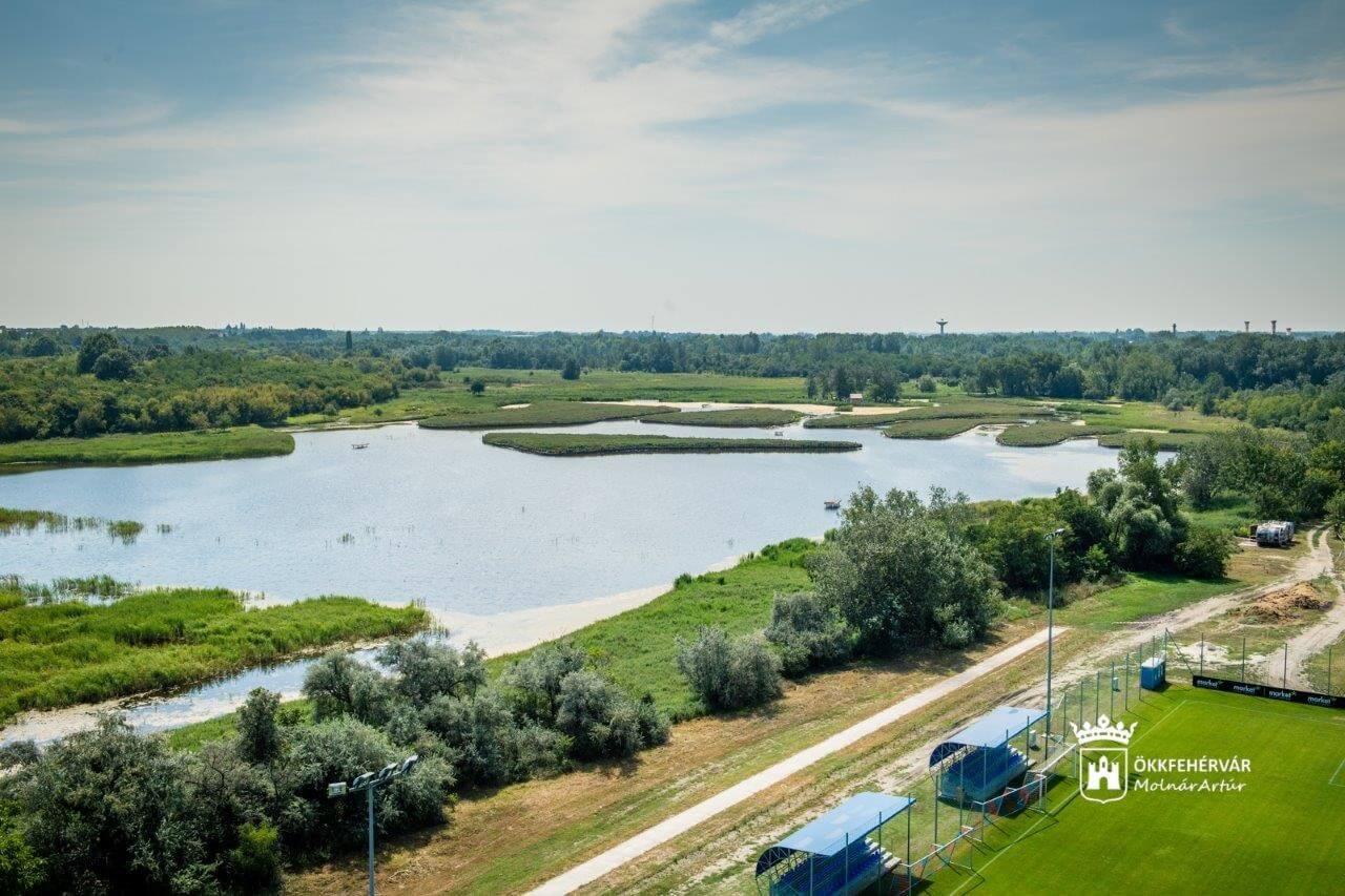 Teljesen megújult Székesfehérvár legnagyobb zöldfelülete