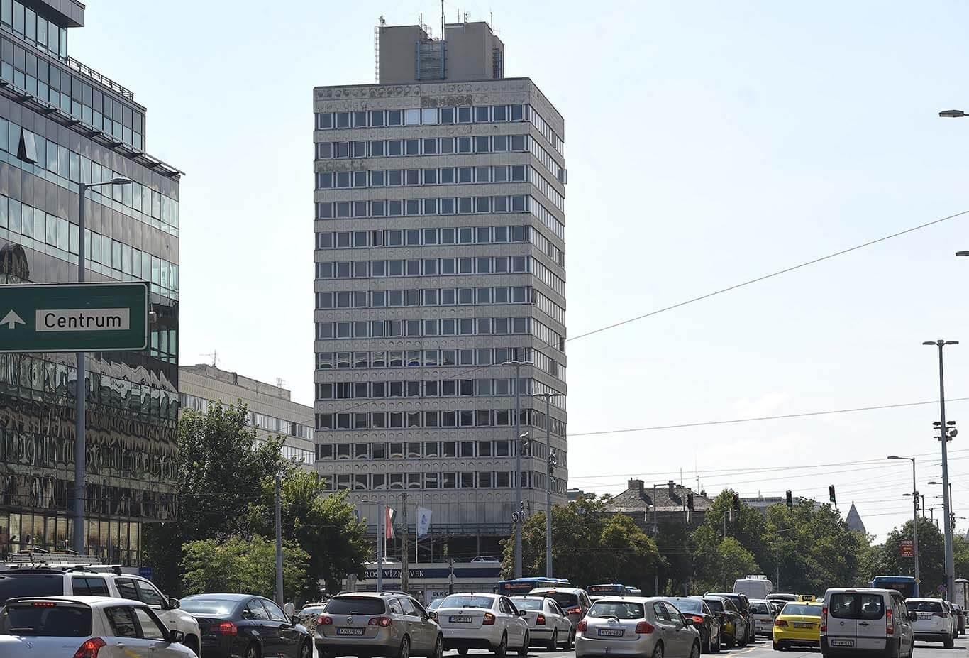 Lebontják a főváros egyik ikonikus toronyházát