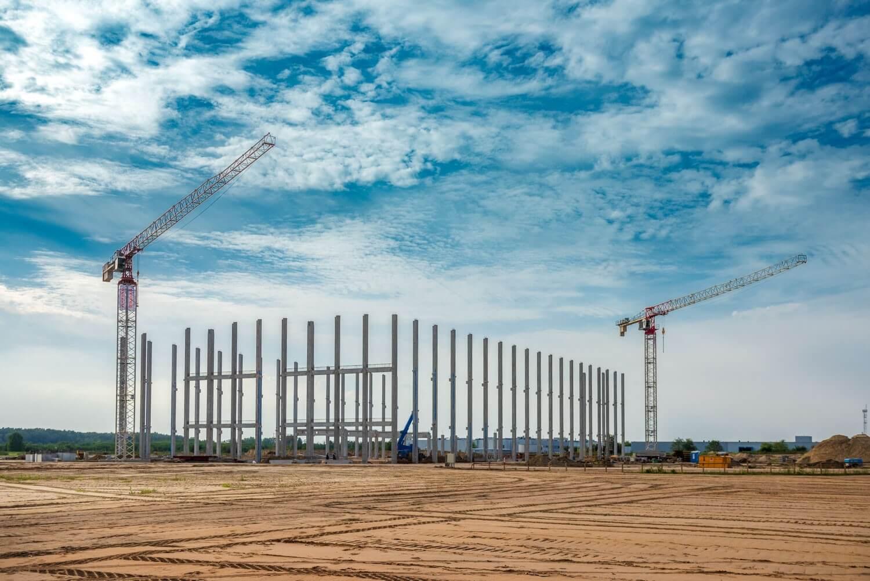 A Strabag már építi a Rehau 63 ezer négyzetméteres csarnokát