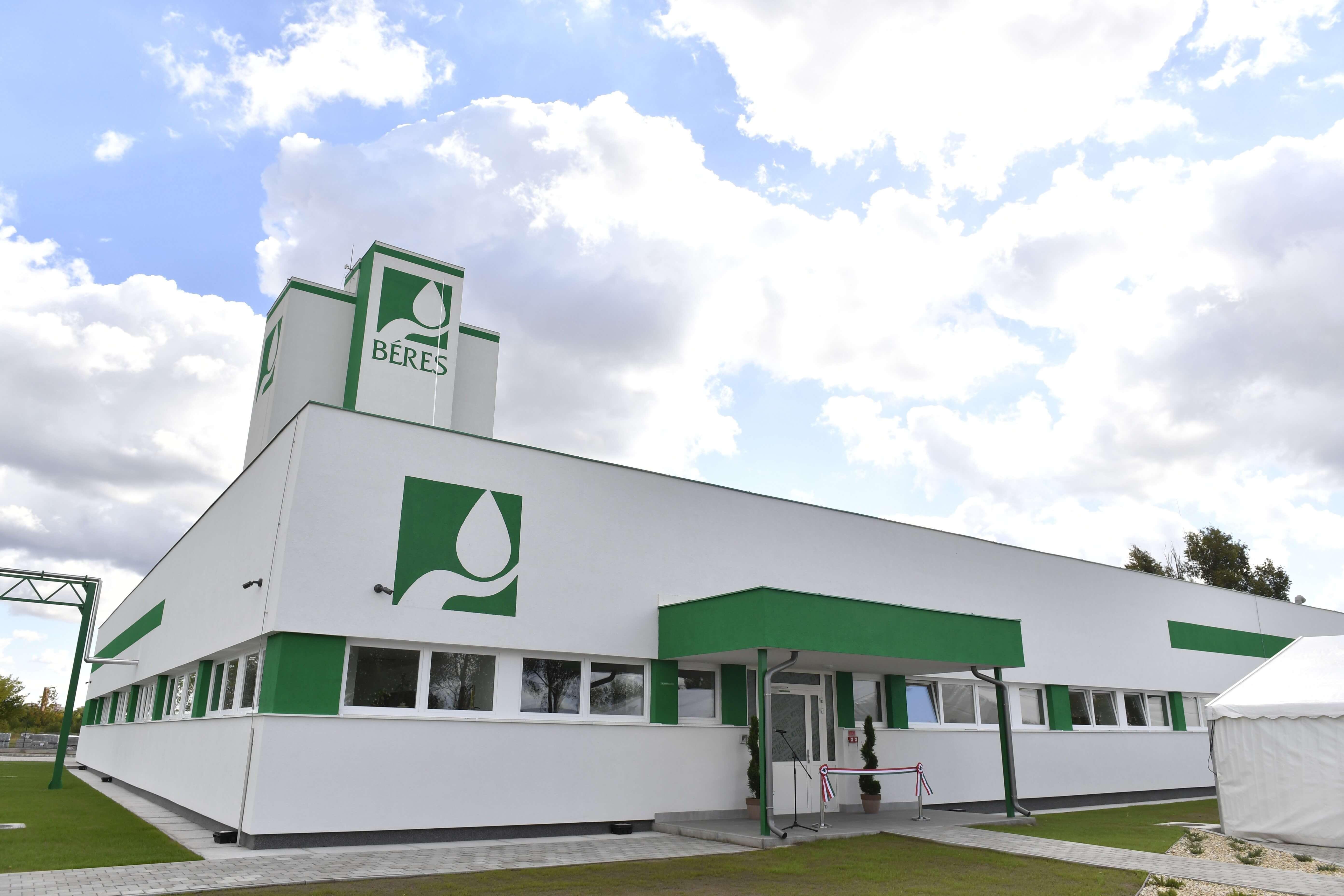 A gyógyszerészek világnapján adták át a Béres új épületét