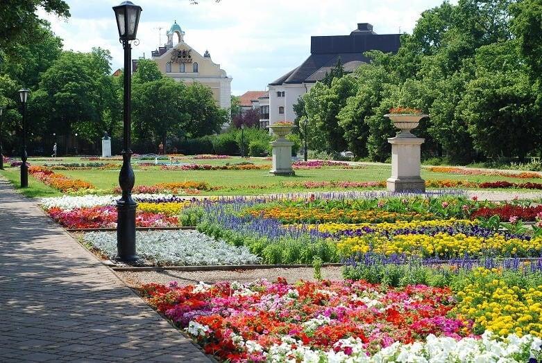 Megújul Szolnok fontos parkja a Tisza mellett