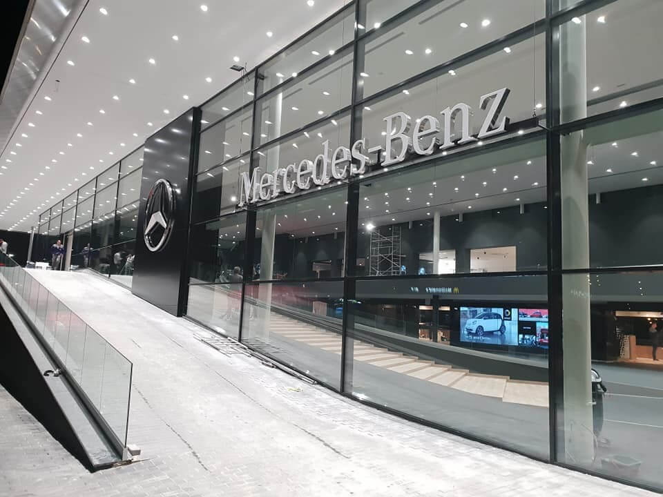 Exkluzív Mercedes-Benz komplexum épült fel Budaörsön