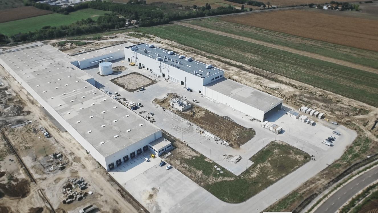 Elkészült Dunaföldvár 26 ezer négyzetméteres hazai tulajdonú papírgyára