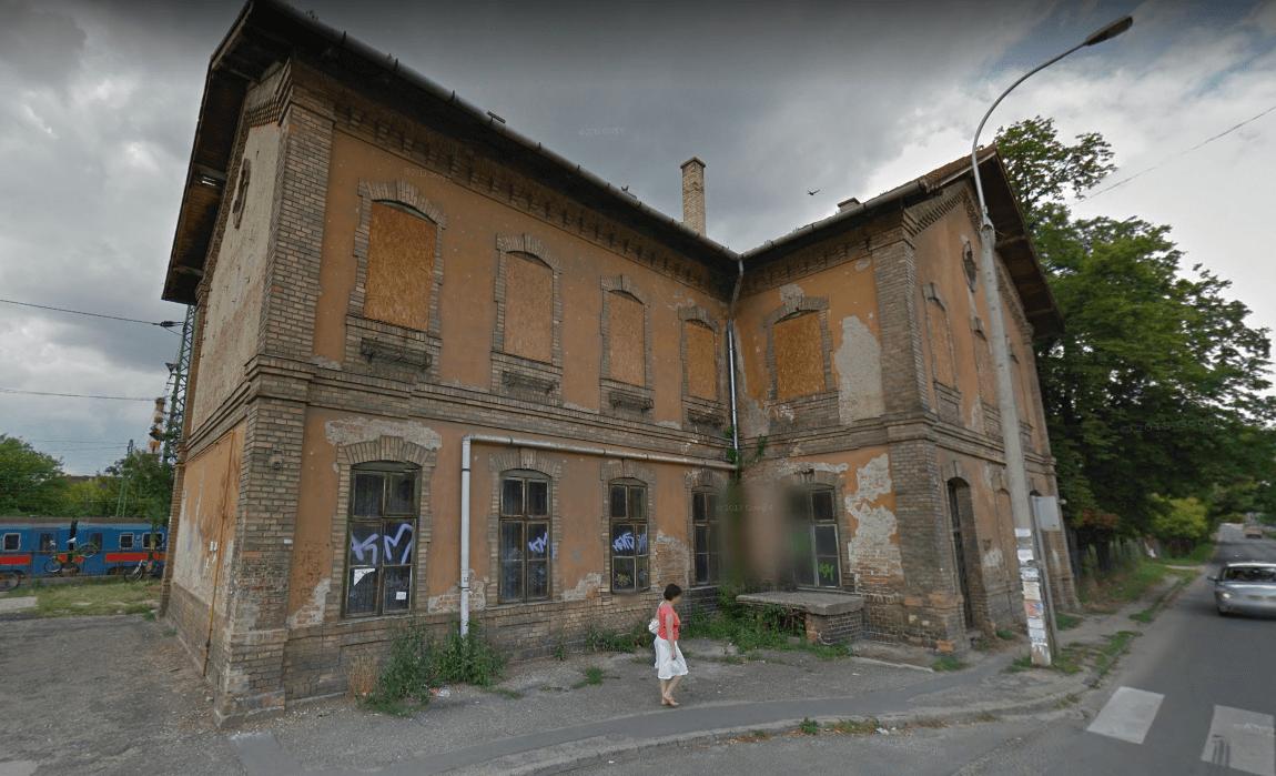 Végre rendbe teszik Dunakeszi romos vasútállomását