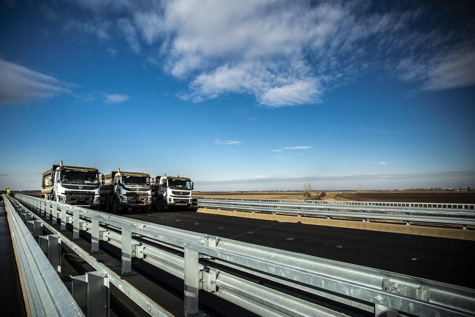 Az M4-es újabb szakaszán közlekedhetnek még idén az autók
