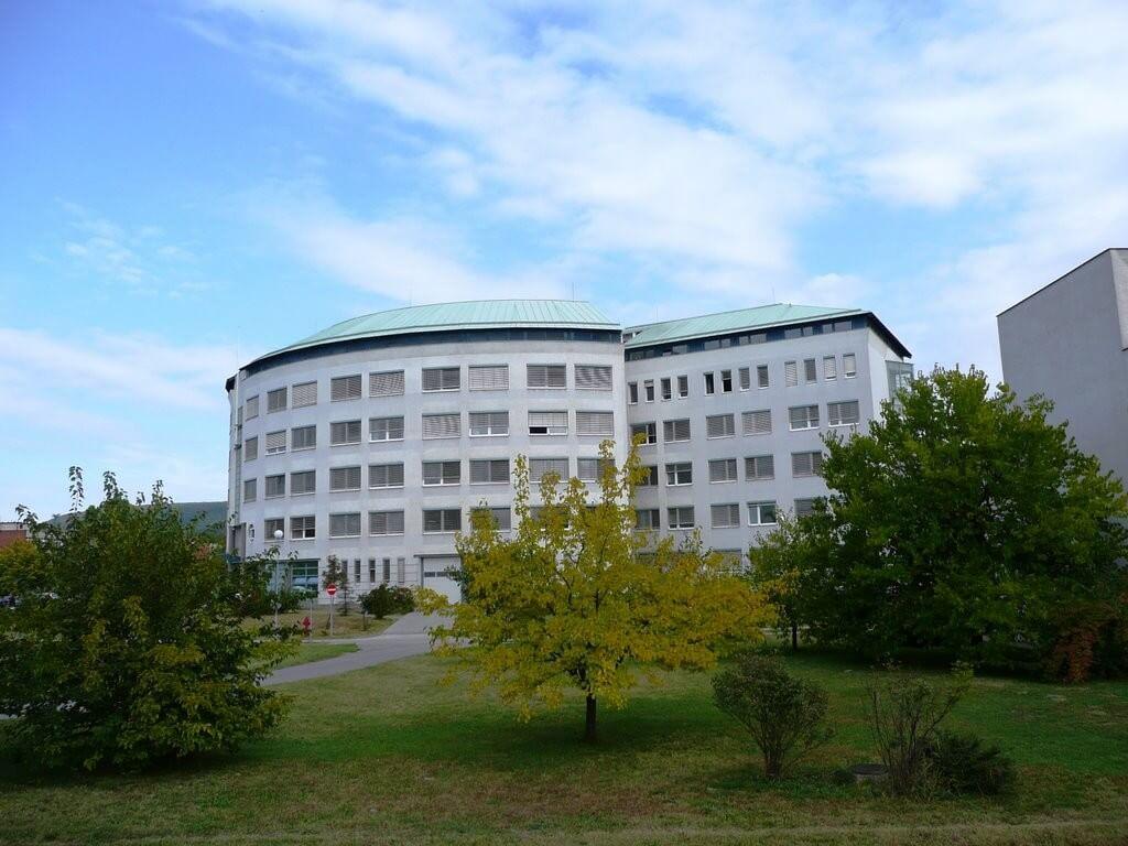 Új kórházi szárny épül Tatabányán