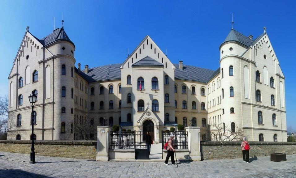 Korszerűsítik a Győri Hittudományi Főiskola százéves épületét