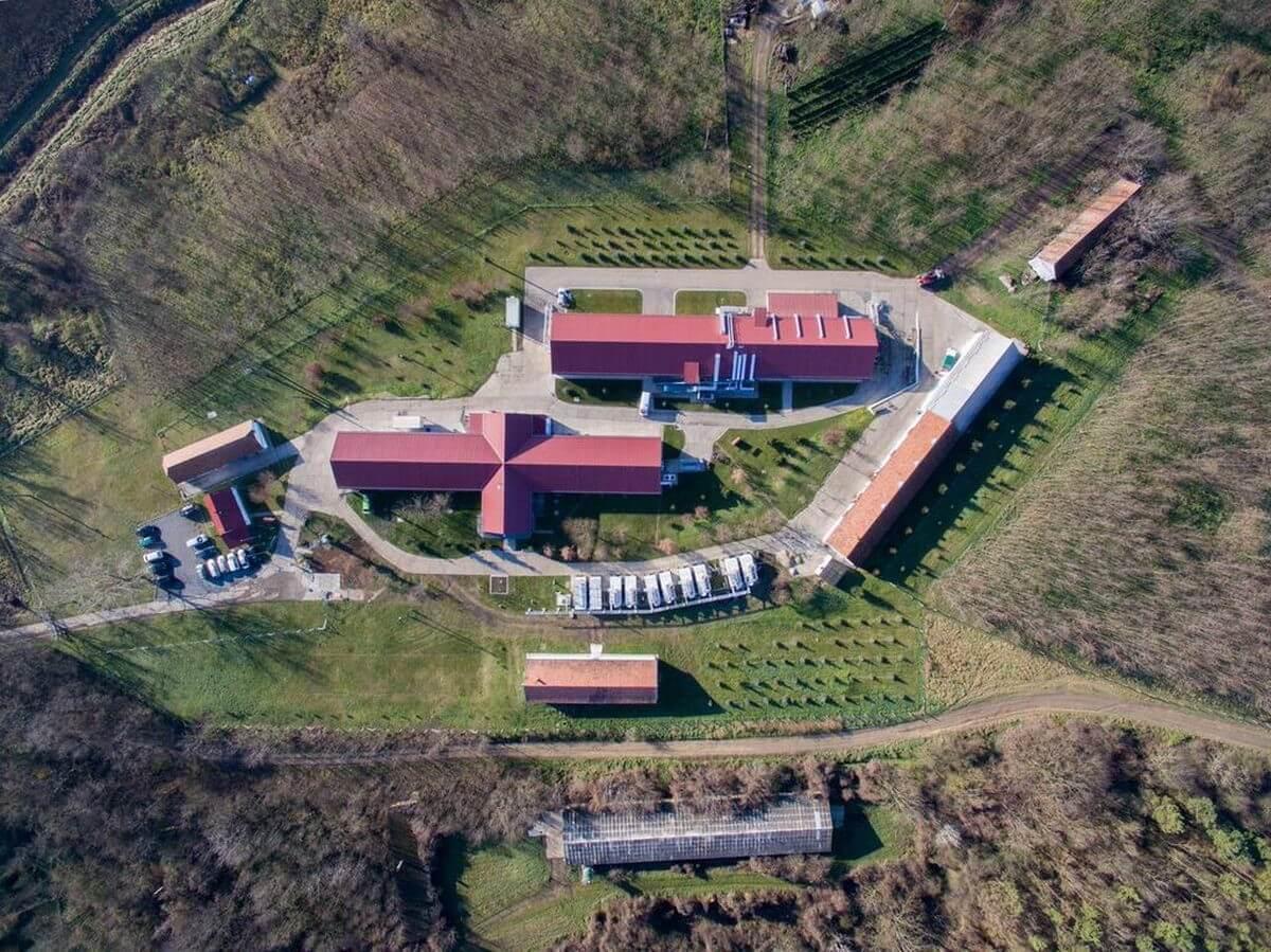 Magyar oltóanyag-fejlesztő cég adott át kutató- és gyártóközpontot Mohácson