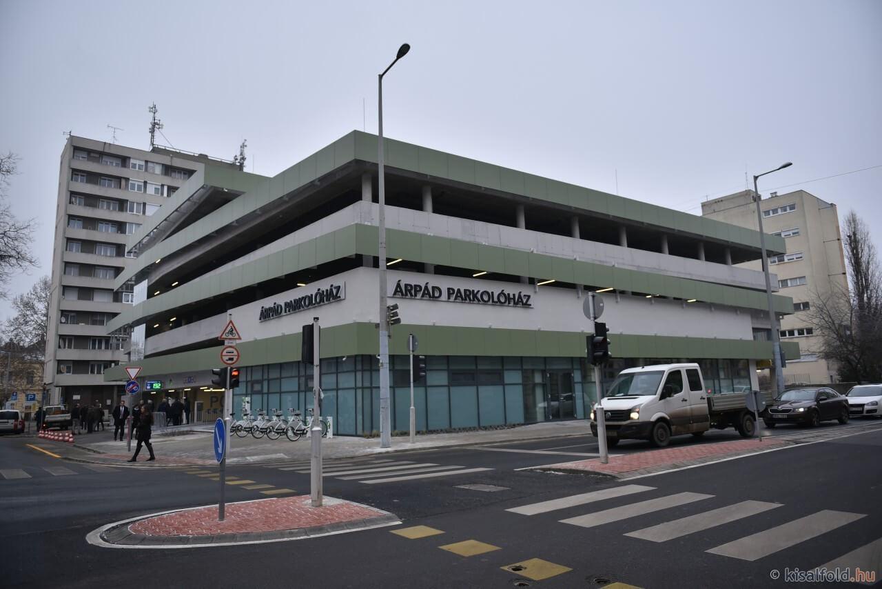Kétszáz új parkolóhely épült Győr belvárosában