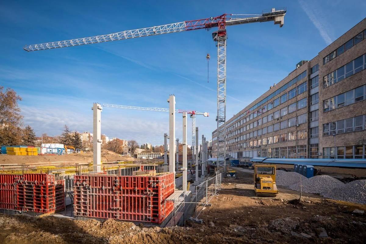 Különleges alapkővel rajtolt a Pécsi Tudományegyetem új épületének kivitelezése