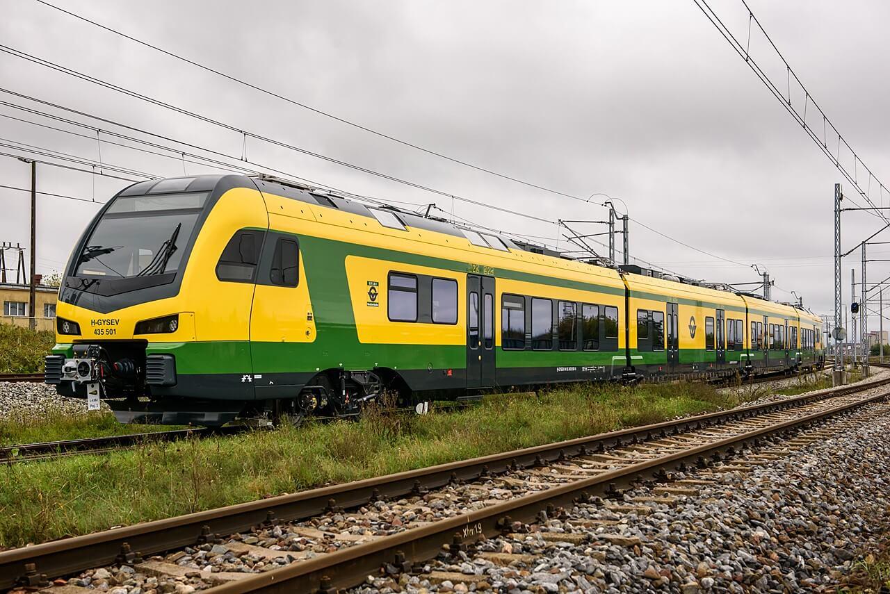 Így újul meg a csornai vonatállomás