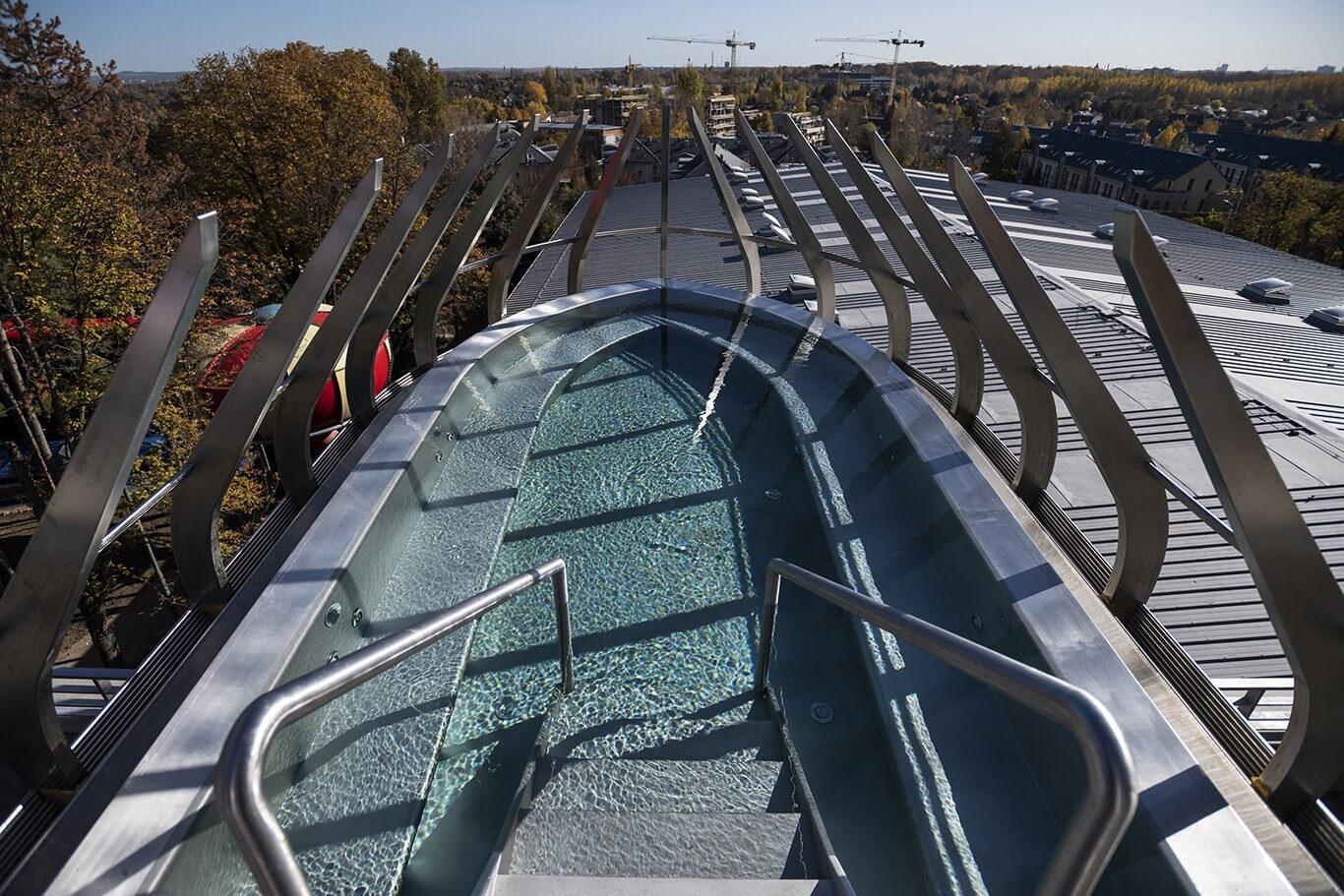 Így jött létre Budapest negyedik legnagyobb fürdője Csillaghegyen - videó