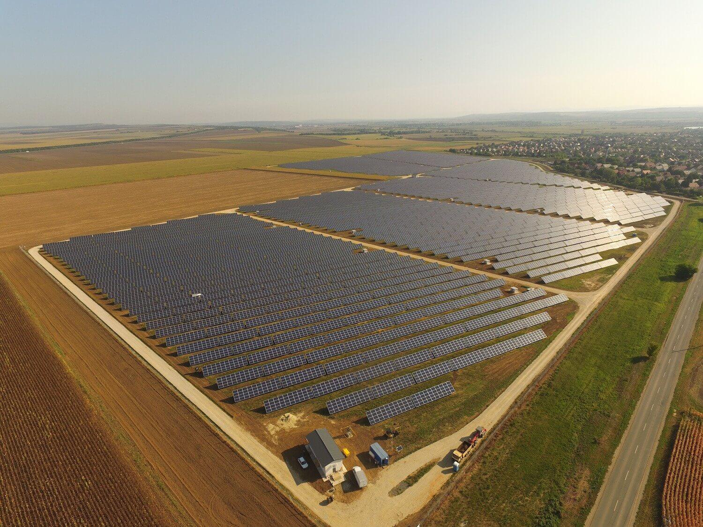 Magyarország legnagyobb naperőműve egy tízezres települést képes ellátni - videó
