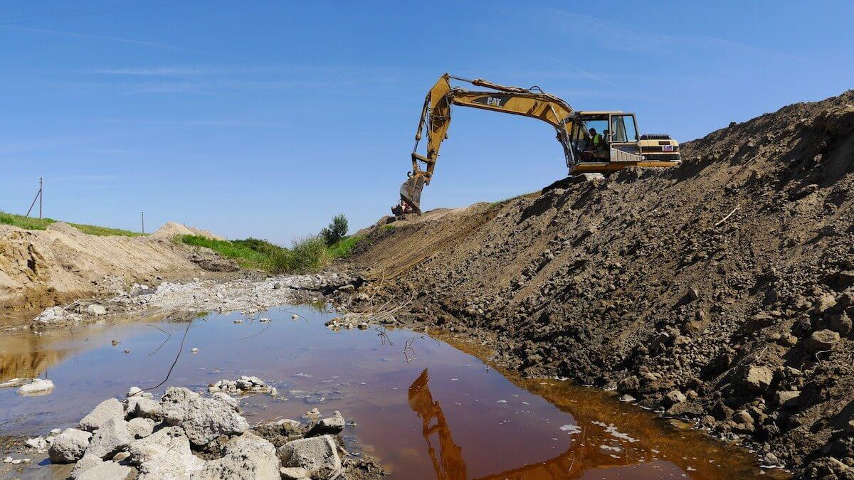 Átfogó belvízcsatorna-fejlesztés indul a Dunától keletre