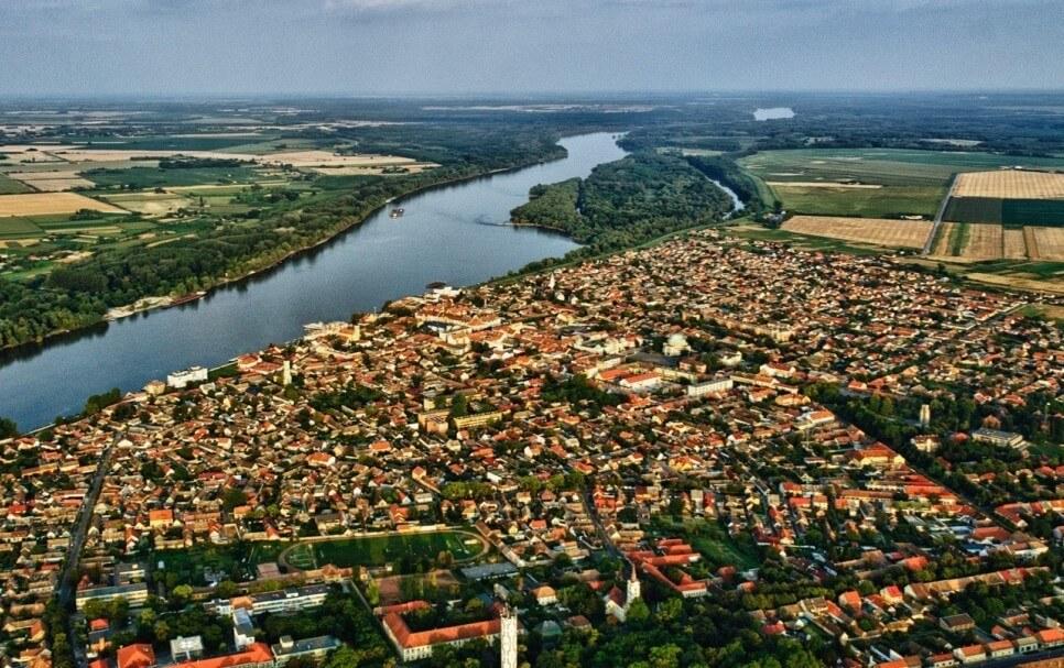 Leromlott területeket éleszt újjá Mohácson a Duna Aszfalt