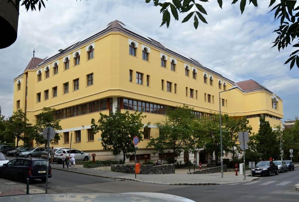 Új épületbe költözik az Onkologiai Intézet fontos klinikája