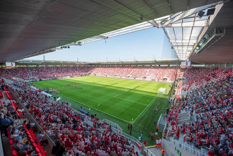 A DVTK és a MOL Vidi stadionja is nyerhet az egyik legnagyobb nemzetközi versenyen