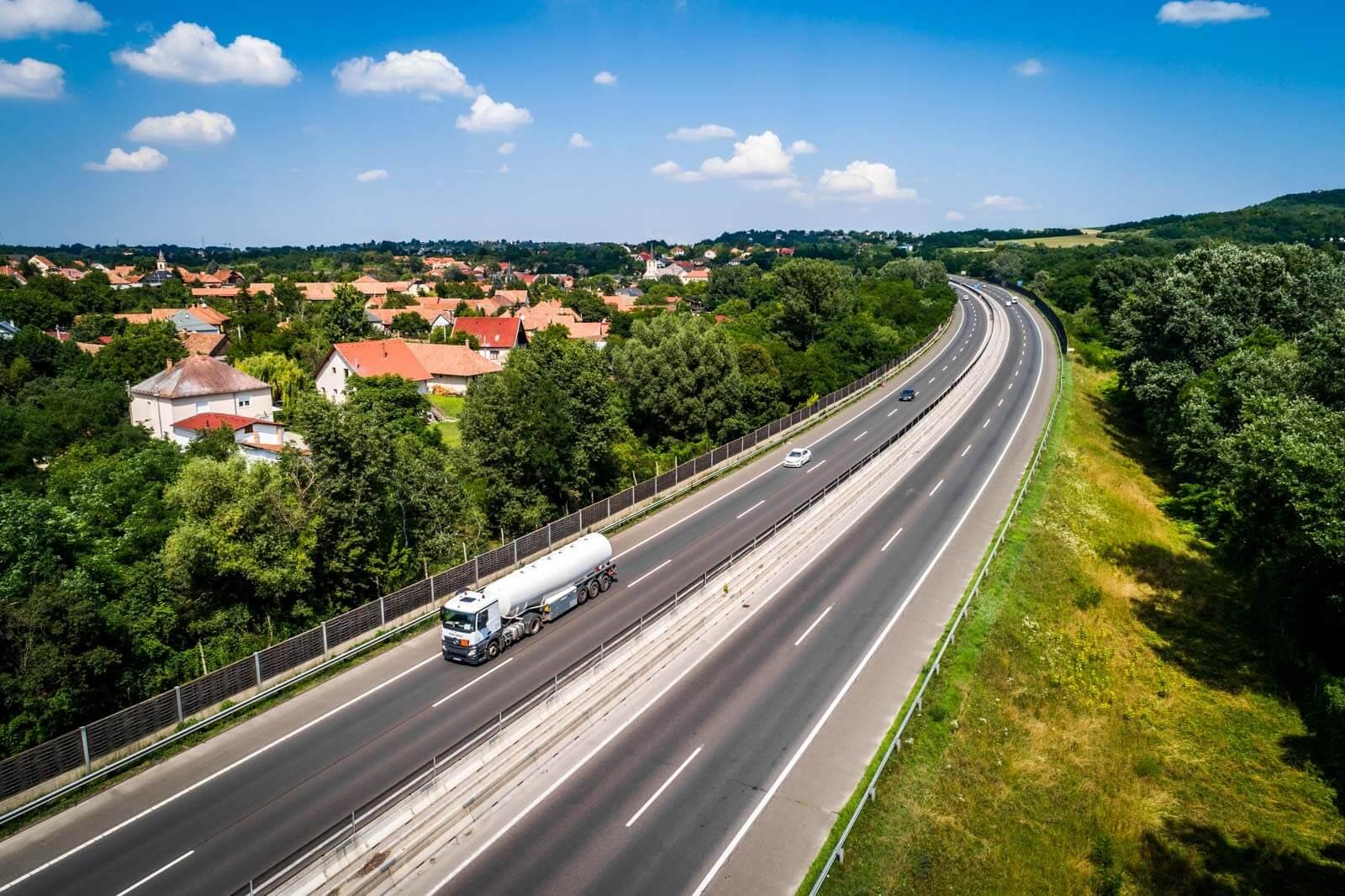 Folytatódik az M7-es felújítása a Balatonnál