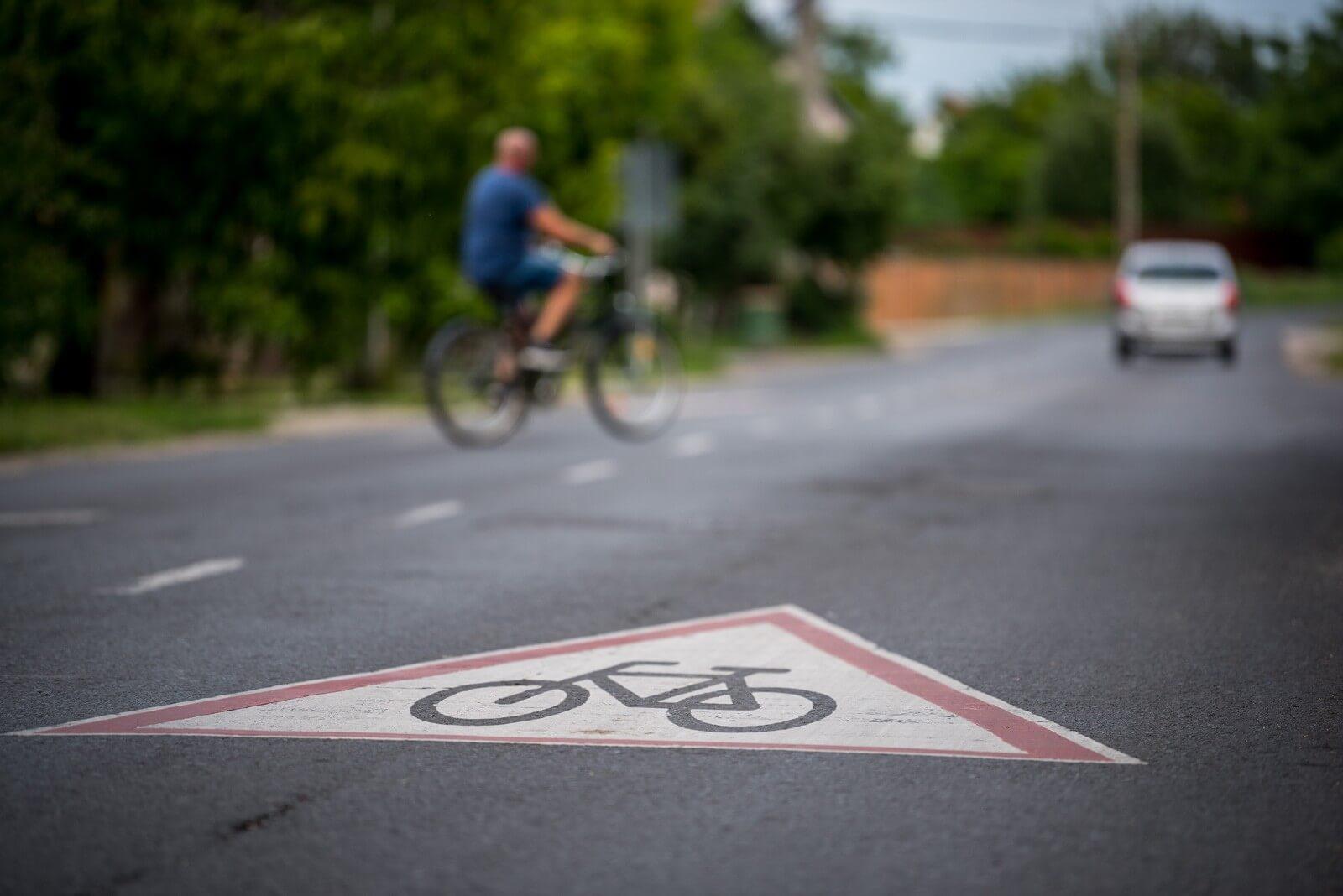 Új bicikliút épül Veszprém és a Balaton között