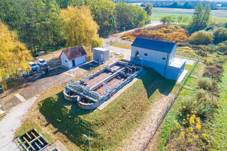 Négy szennyvíztelepet modernizál a Szabadics Tata vonzáskörzetében