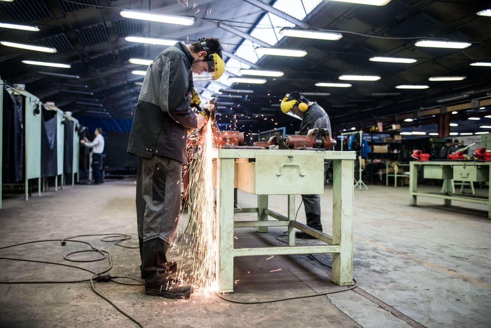 Gyakorlati központokkal reformálná meg az építőipari képzést az ÉVOSZ