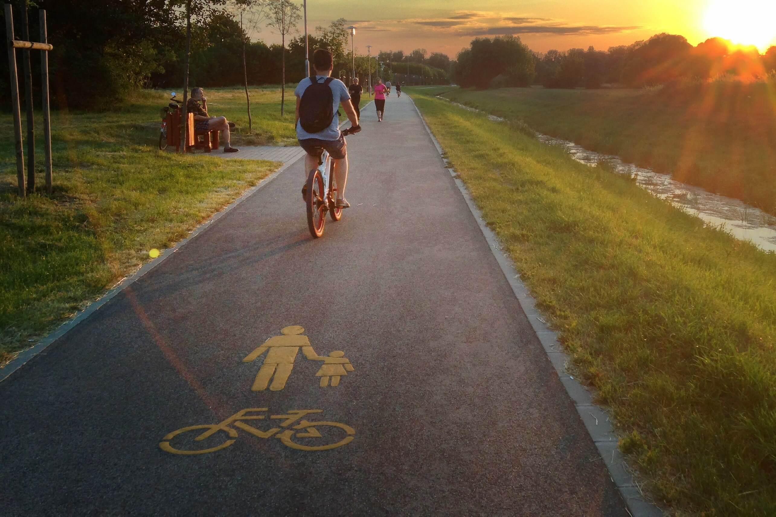 Indulhat a fővárost átszelő kerékpárút beruházása