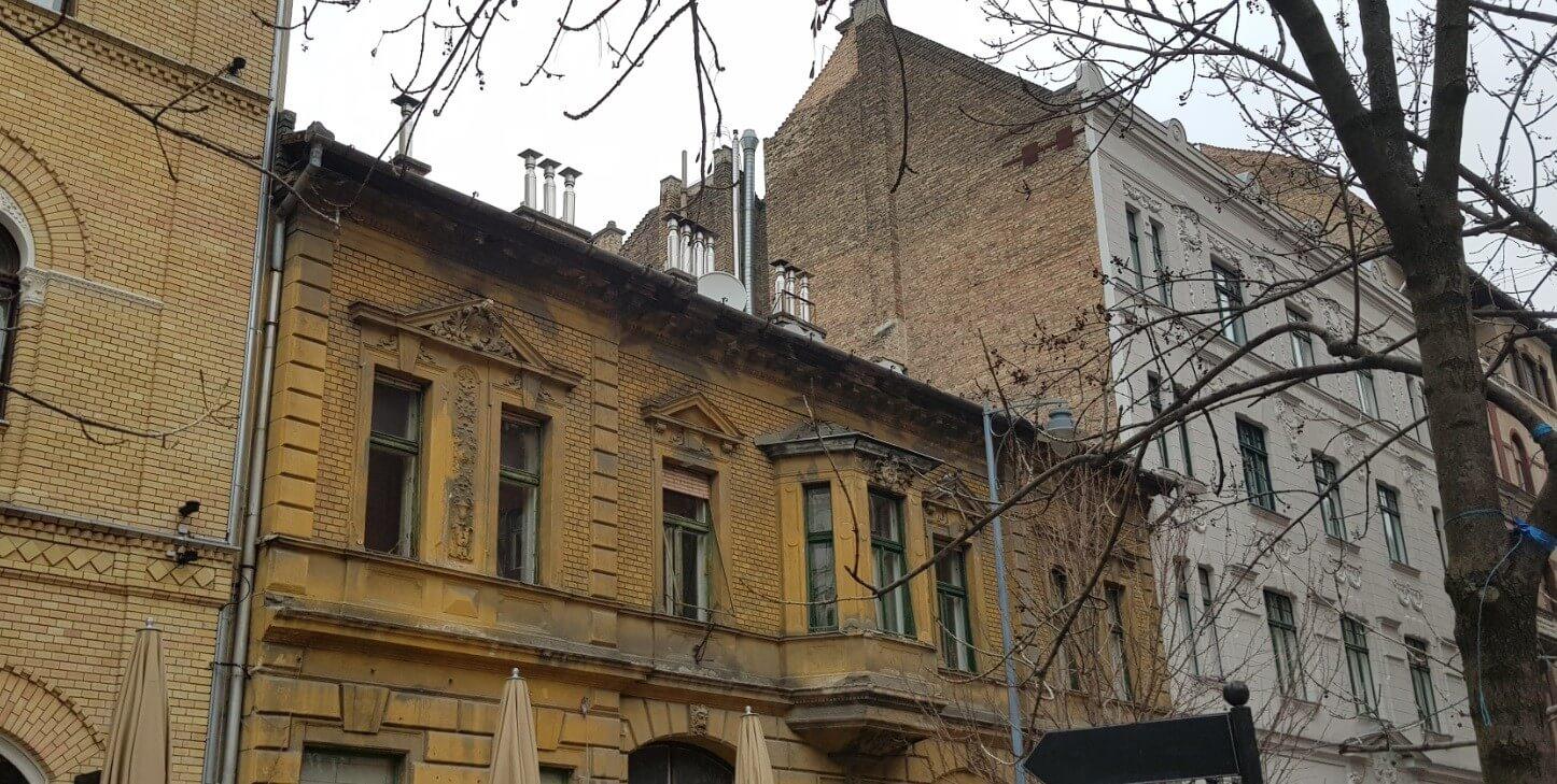 115 éves műemlékből épül szálloda a belvárosi Mikszáth téren