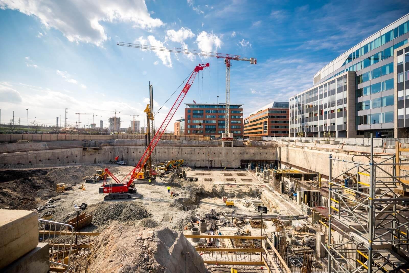 Már a szerkezetépítésnél jár az evosoft új budapesti székháza