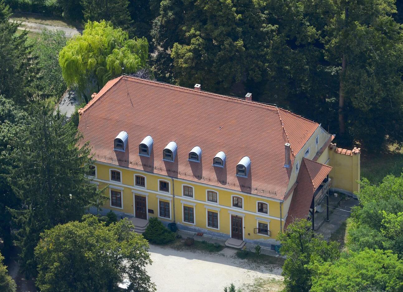 A ZÁÉV elkezdte a munkákat Zalaegerszeg 269 éves kastélyában