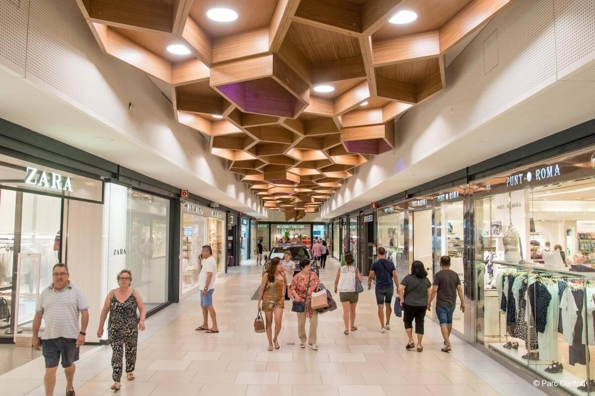 Elkezdődött Nyugat-Magyarország legújabb bevásárlóközpontjának építkezése