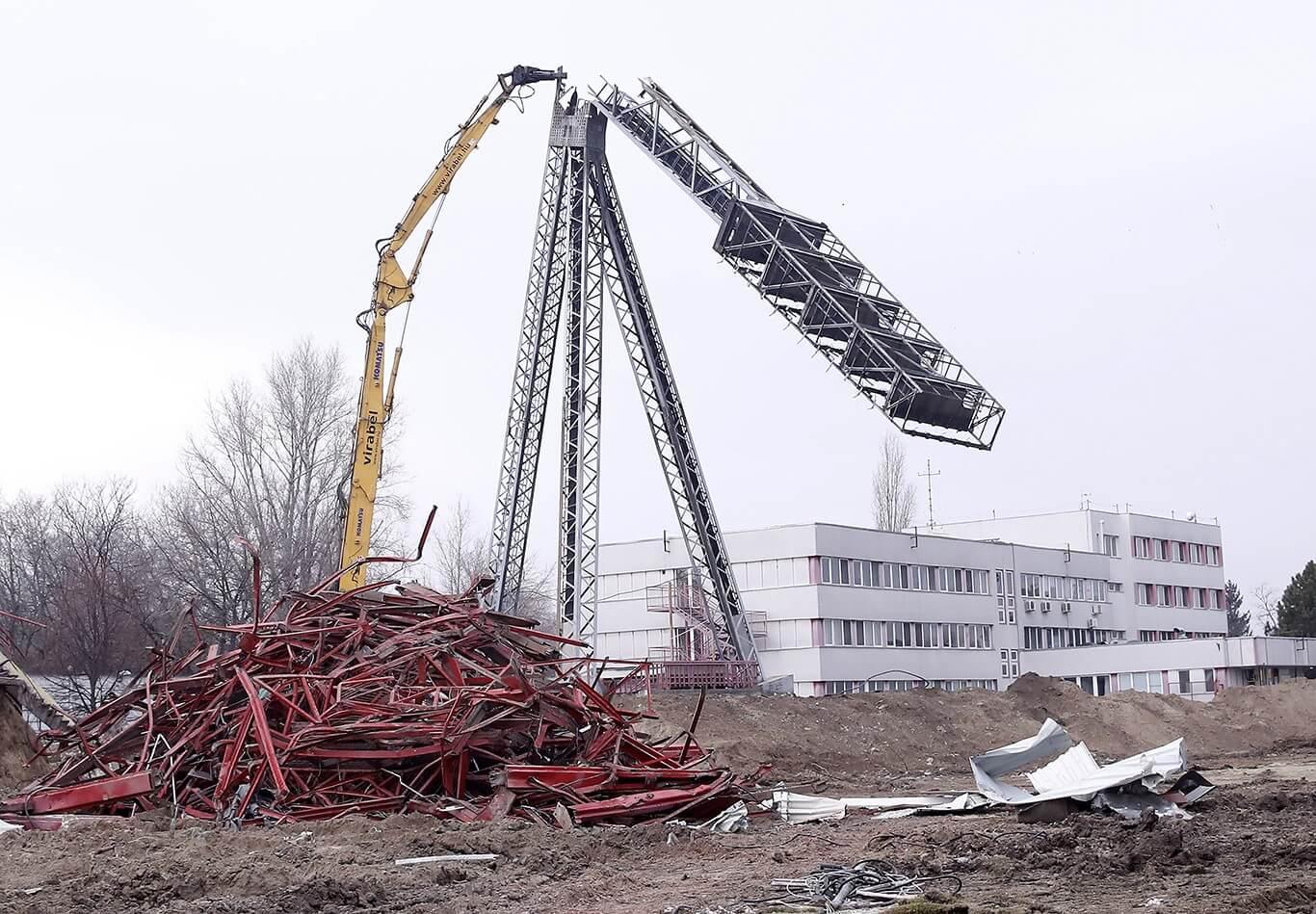 Eltűnt a régi, épülhet a Honvéd új stadionja
