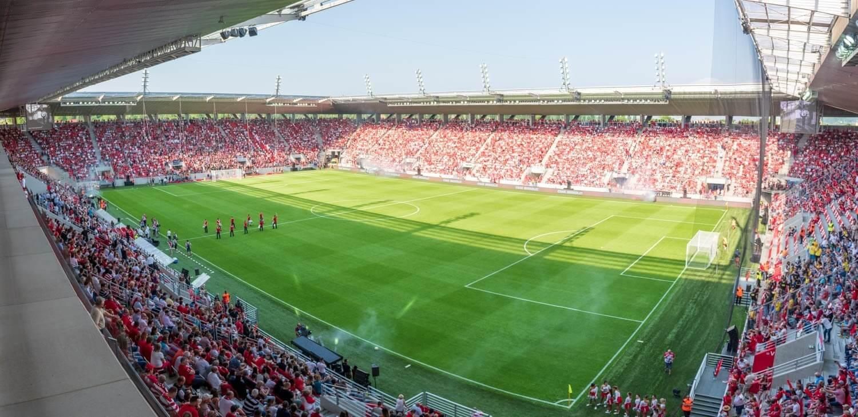 Európa legszebb stadionjában járt a Magyar Építők - videó
