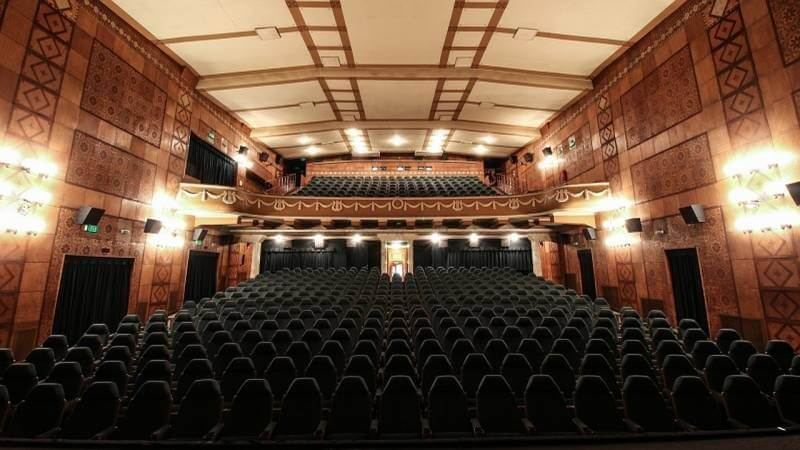 Közel 100 éves moziját újítja fel Szeged