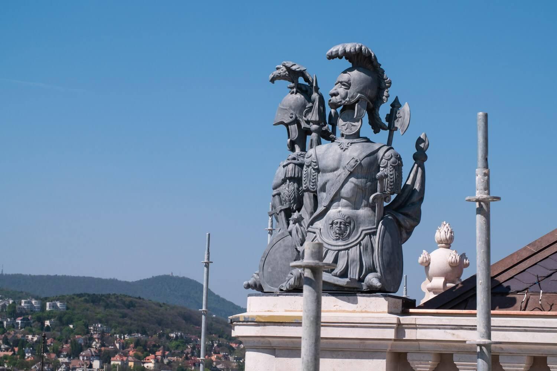 Rég elveszett szobrokat nyert vissza a Budai Vár