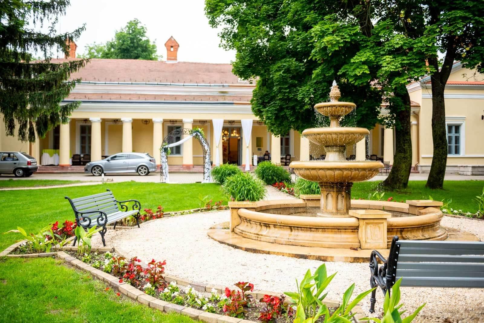 Képriport a magyar wellnessről: kastély és prémium apartman