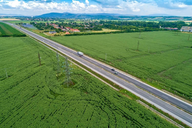 Közel a befejezéshez a 21-es főút fejlesztése