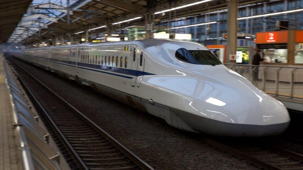 Újabb lépéssel közelebb a legalább 250 km/h sebességű Budapest-Varsó gyorsvasút