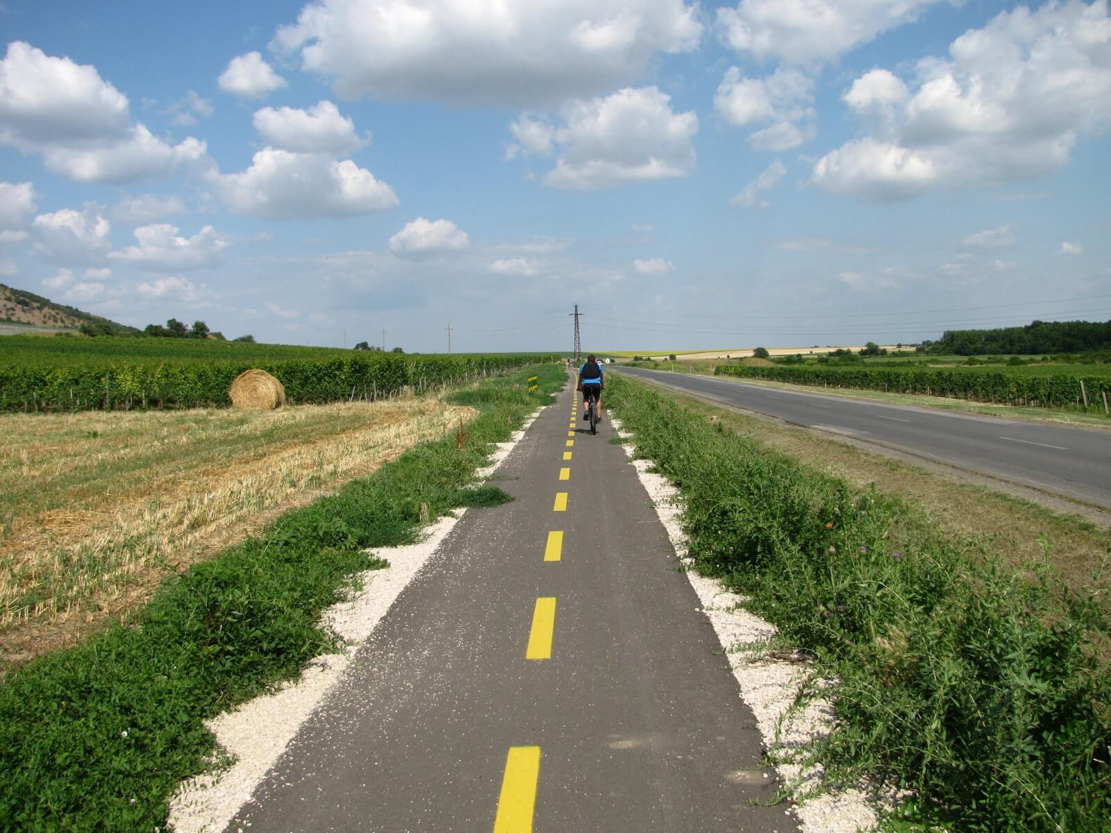 Közel 50 kilométeres kerékpárút létesülhet Miskolc és Eger között