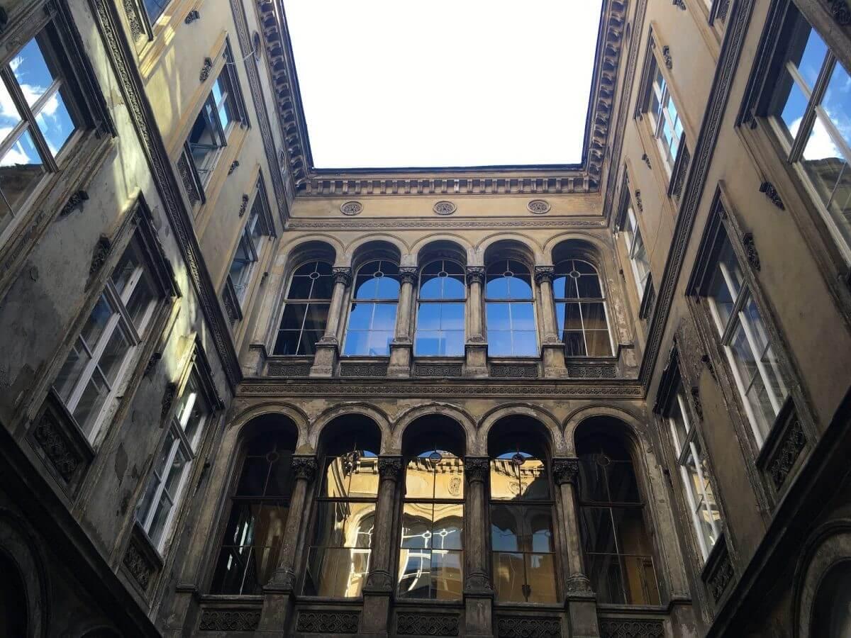 Műemléképület születik újjá irodaházként a pesti belvárosban