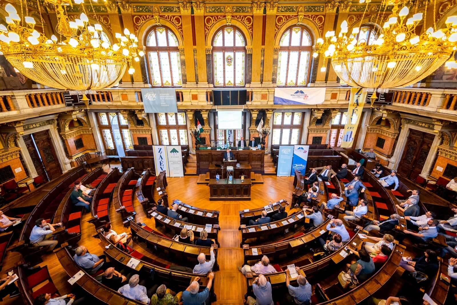 Budapest egyedülálló óriásépítkezéseit mutatták be az Újvárosházán