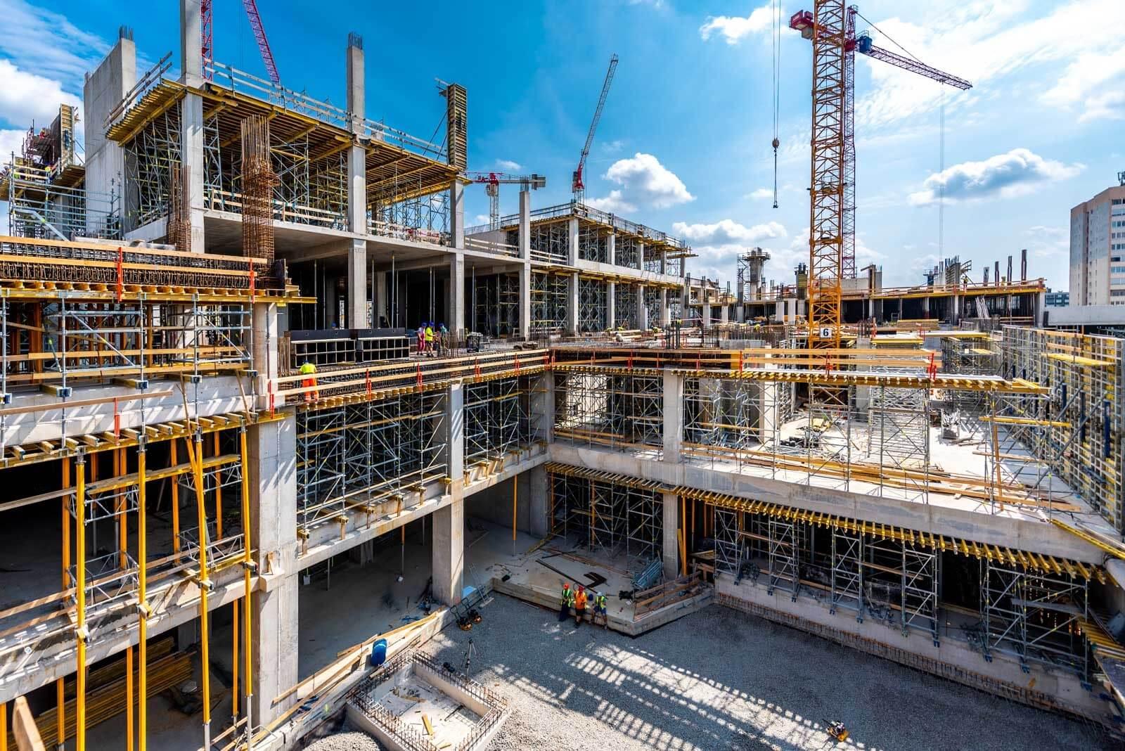 Hónapokon belül szerkezetkész állapotba kerül az Etele Plaza