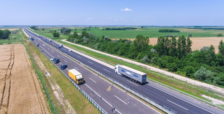 Közelebb került Szolnok Budapesthez: átadták az M4-es újabb szakaszát