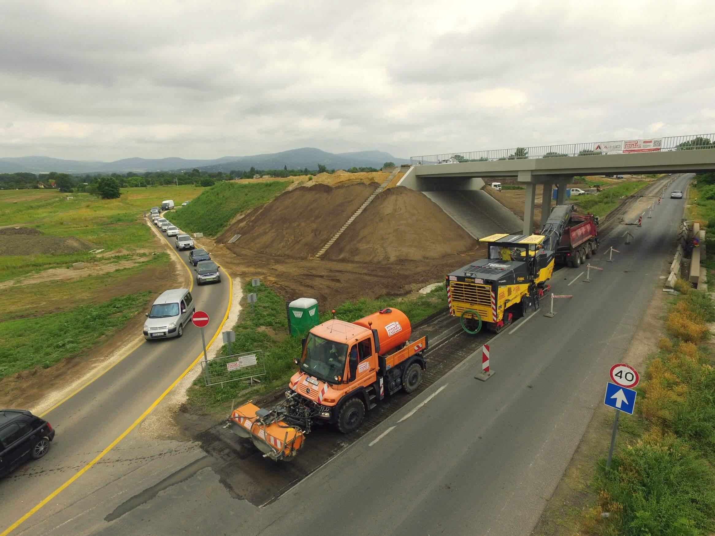 Így halad az M2-es és a 2-es számú főút új összekötő útjának építkezése