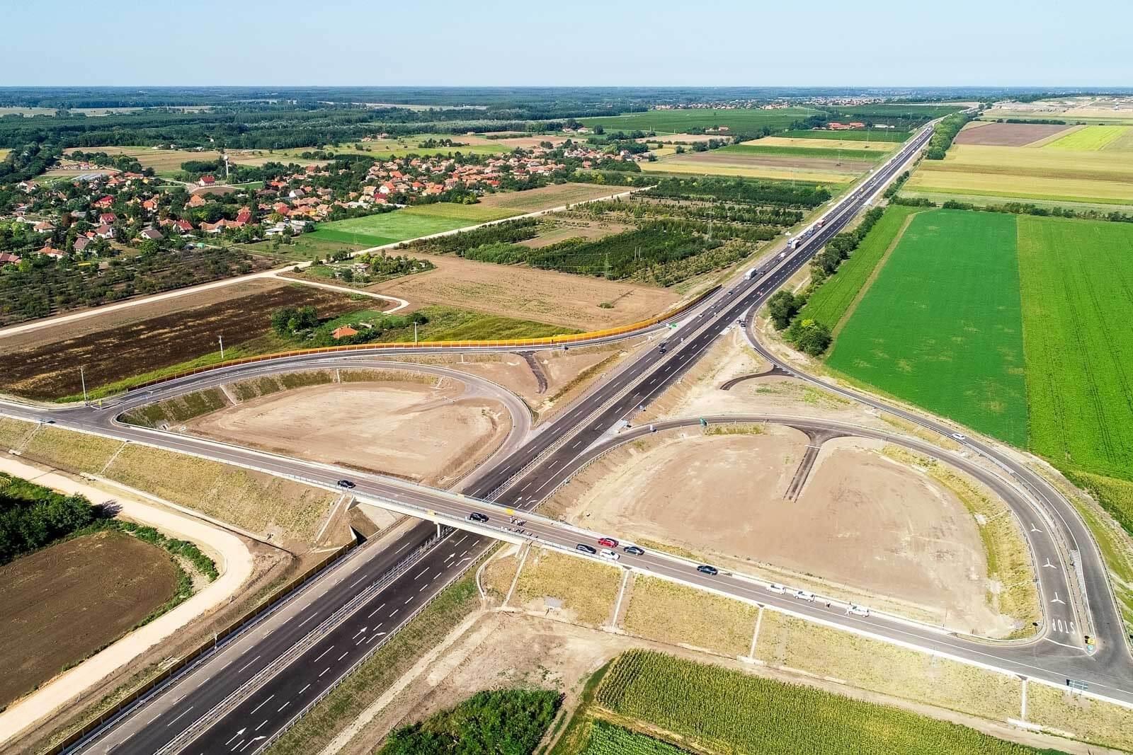 Új Tisza-híddal épül meg az M4-es új szakasza