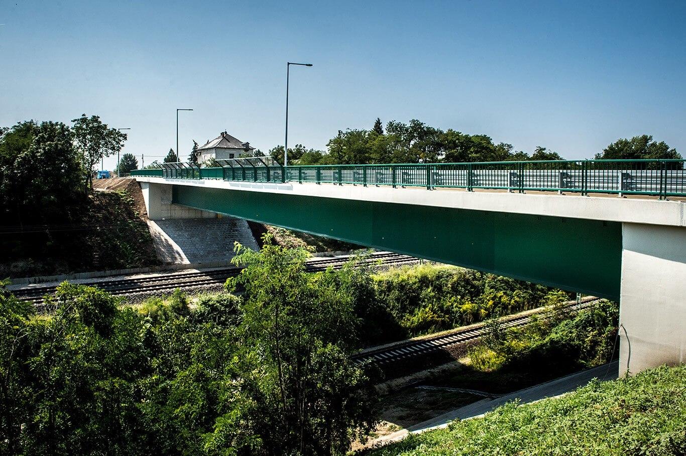 Megkezdődött a százhalombattai közúti híd meghosszabbítása