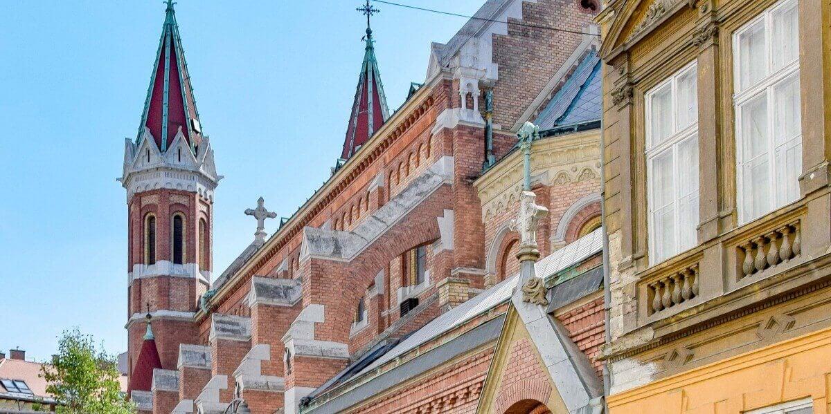 110 éves műemléképület újul meg a főváros szívében